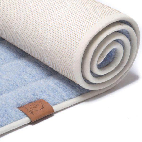 100% zuiver wollen yogamat uitgerold, blauw